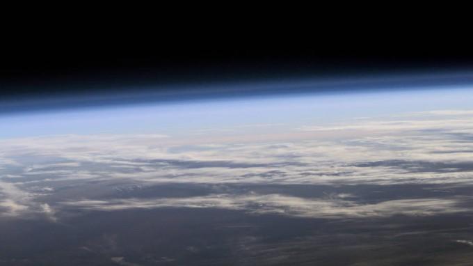 인공위성으로 바라본 지구 대기의 모습. - 미국항공우주국 제공